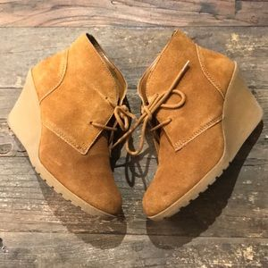 MERONA suede wedge ankle boots